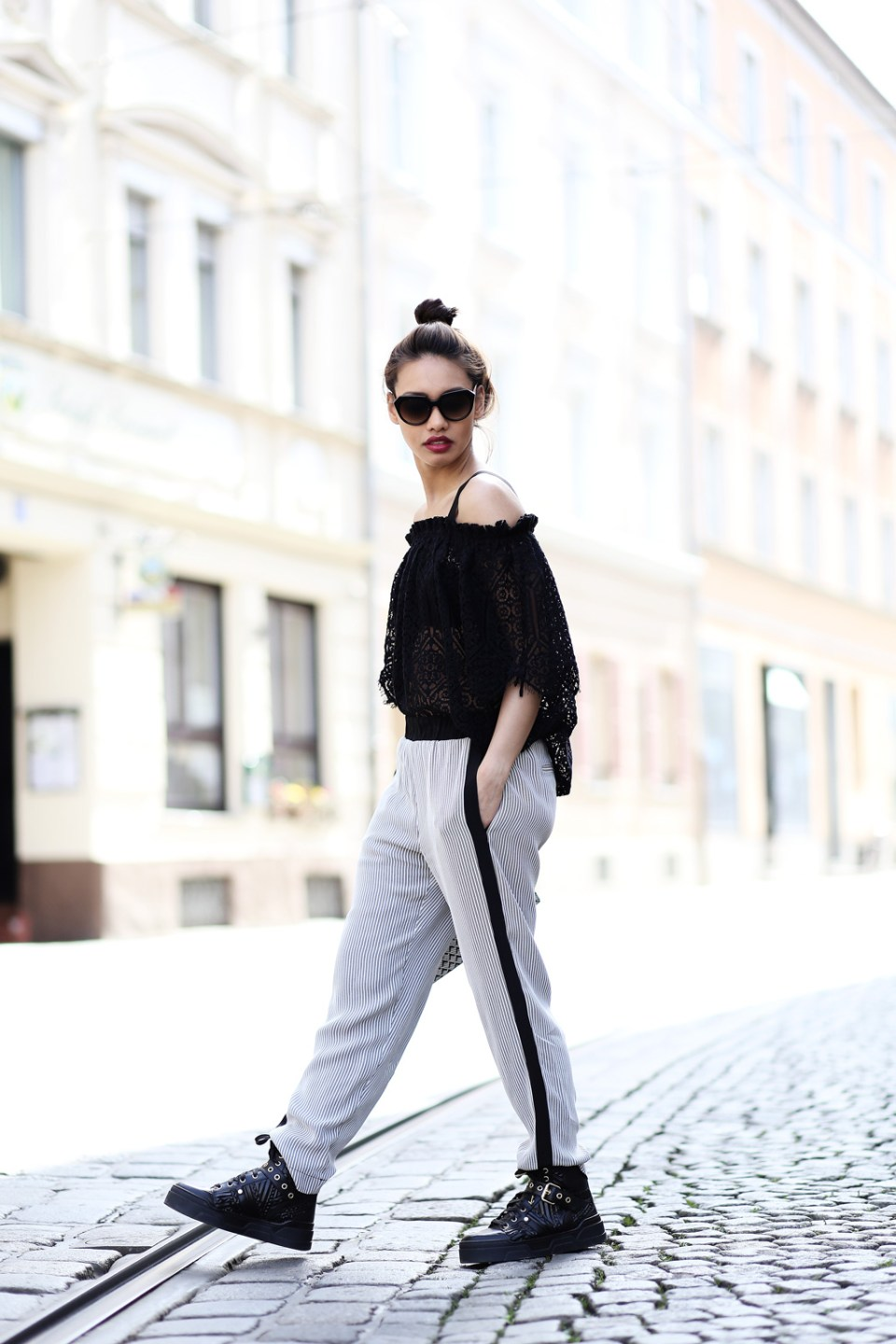 thefashionanarchy_anniep._outfit_style_look_spitze_lace_munichblogger_blogger_fashionblogger_munich_muenchen_fashionblogger_ash_sneaker_4