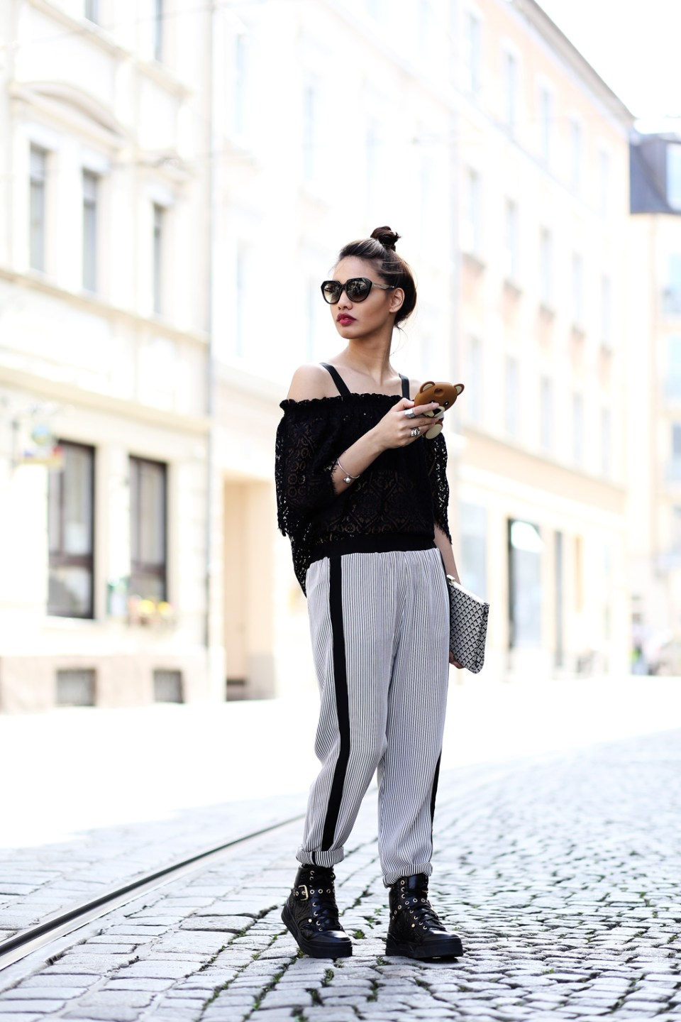 thefashionanarchy_anniep._outfit_style_look_spitze_lace_munichblogger_blogger_fashionblogger_munich_muenchen_fashionblogger_ash_sneaker_5
