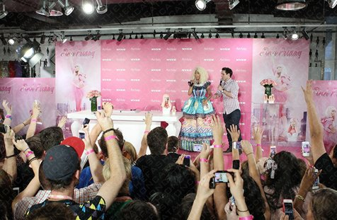 Fashion Blog | Nicki Minaj Launches New Perfume; Pink, At Myer, Sydney.