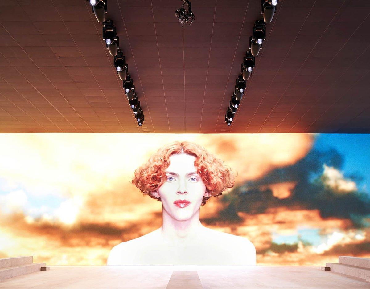 Sophie Xeon - LV runway show