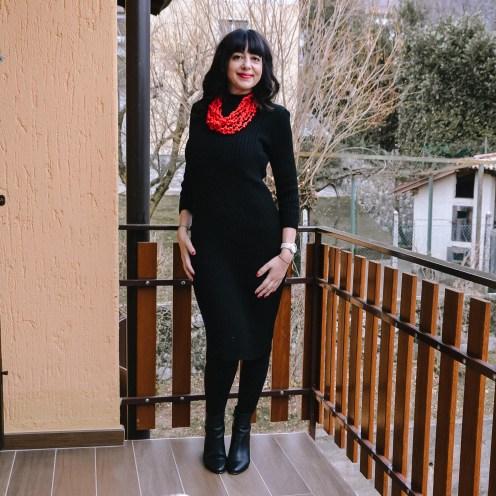 Abitino nero in maglia preso su Femme Luxe