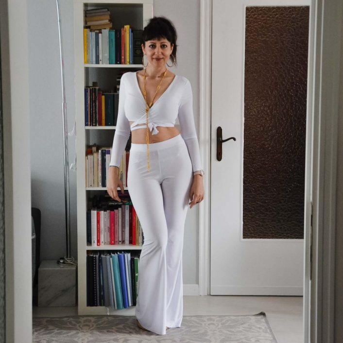Come indossare pantaloni a zampa bianchi - The Fashion Cherry Diary