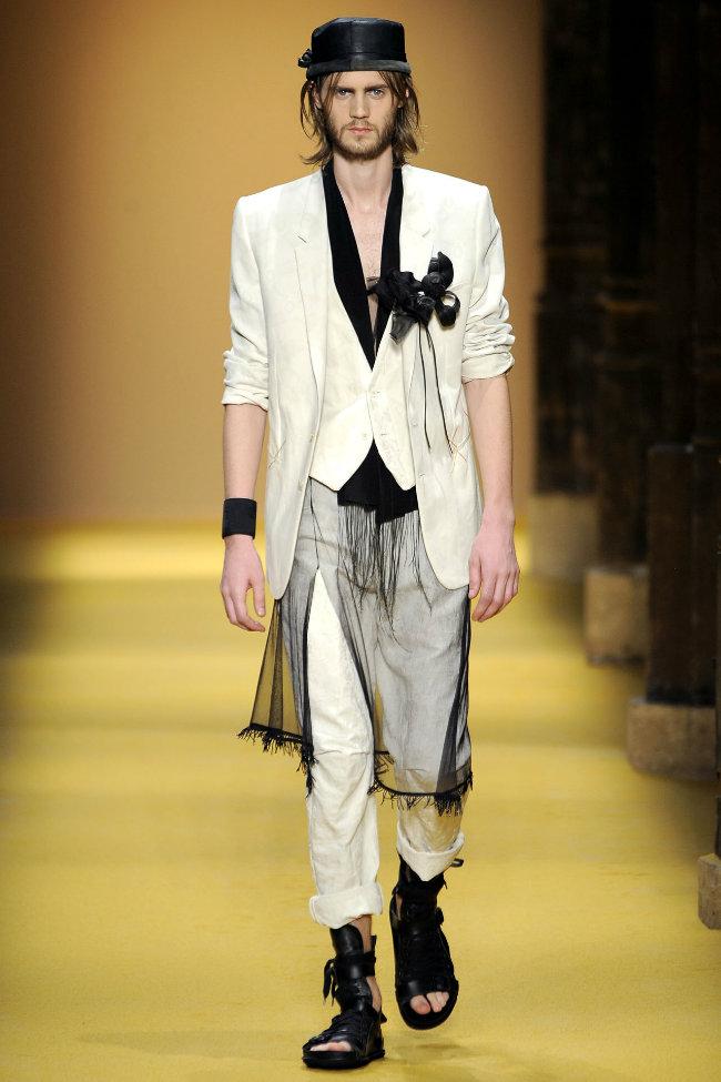 anndemeulemeester4 Ann Demeulemeester Spring 2012 | Paris Fashion Week