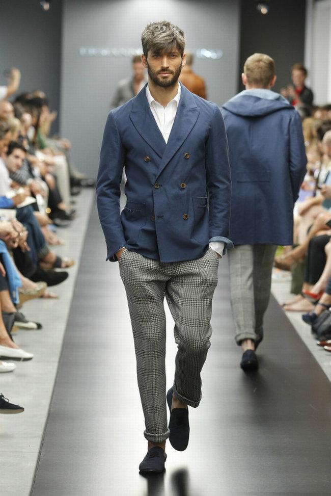 esspring10 Ermanno Scervino Spring 2012 | Milan Fashion Week