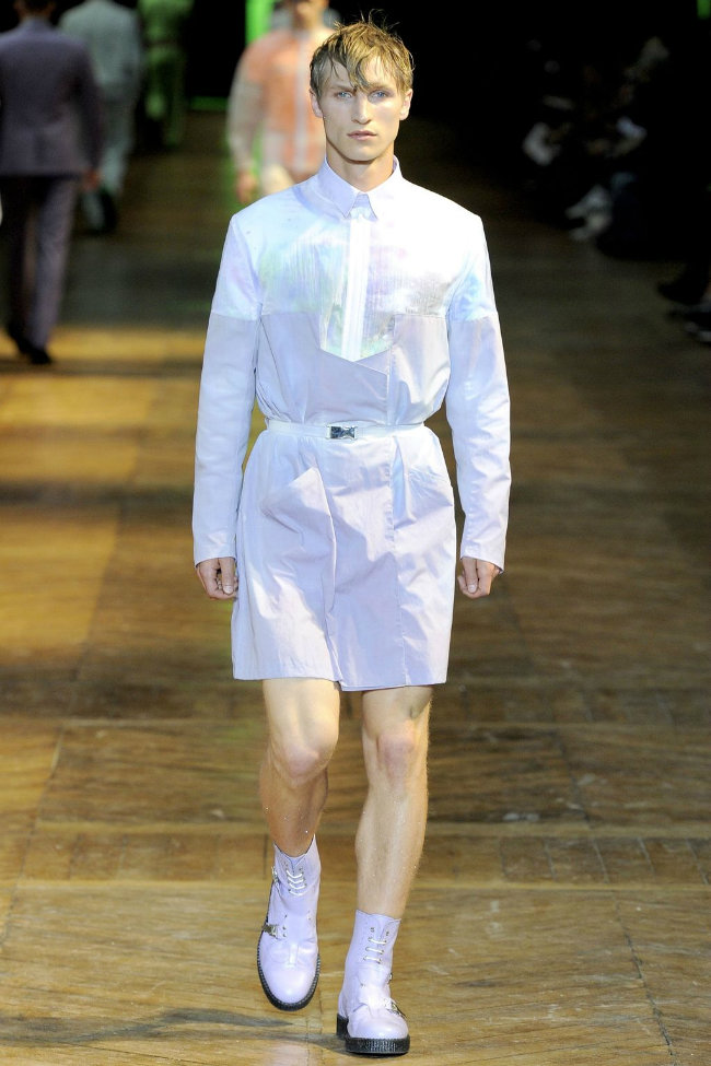 muglerrunway5 Mugler Spring 2012 | Paris Fashion Week