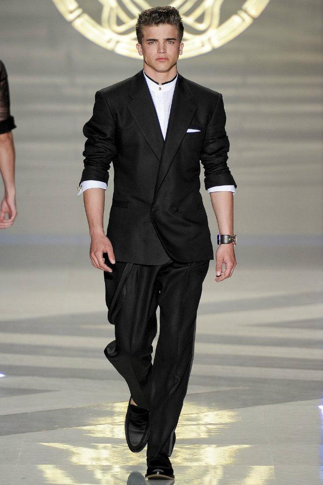 versace2 Versace Spring 2012   Milan Fashion Week
