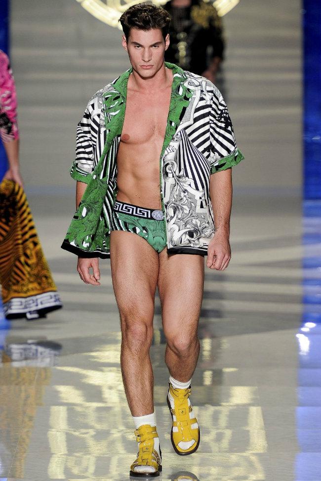 versace7 Versace Spring 2012 | Milan Fashion Week