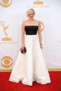 Elisabeth Moss in Andrew Gn