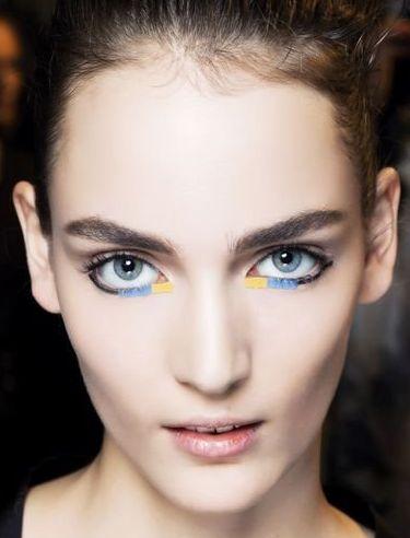 color low eyeliner