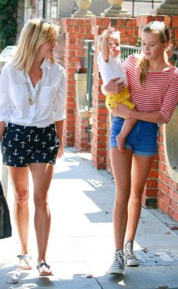 reese witherspoon and daughter