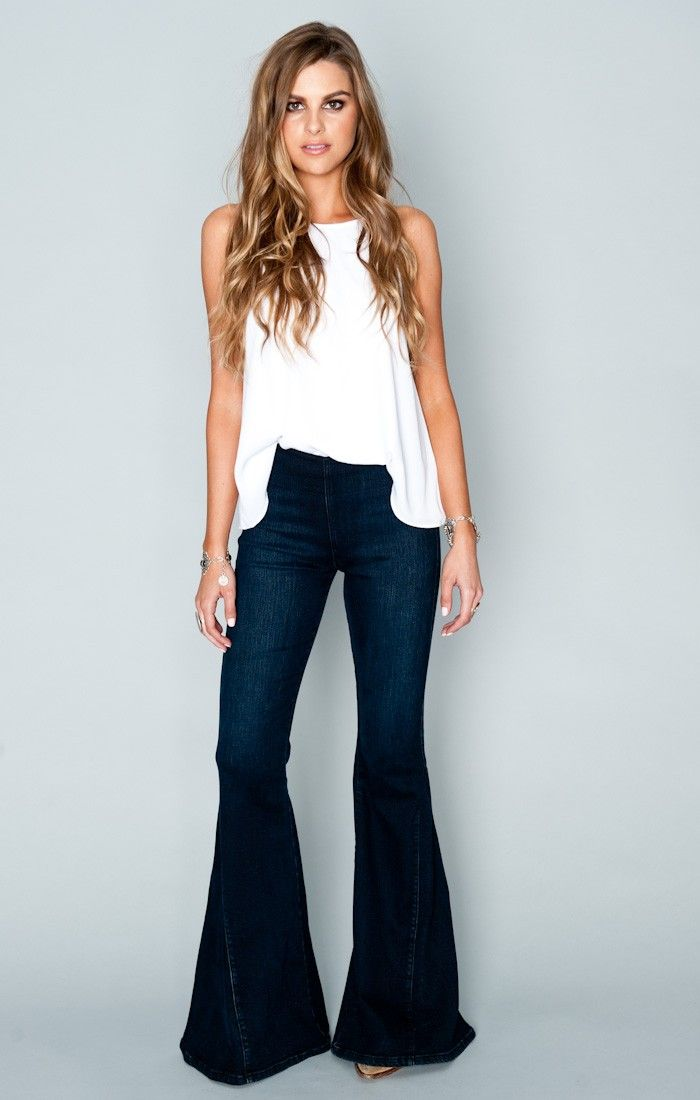 Resultado de imagem para calça flare jeans escuro