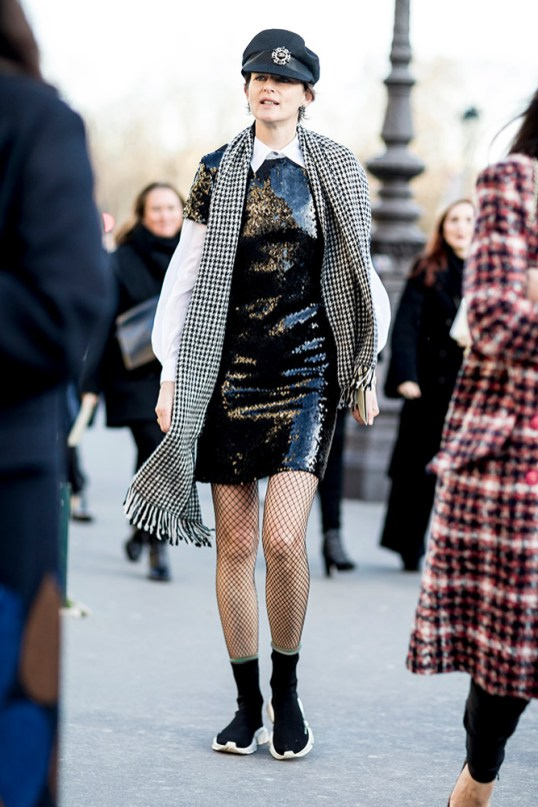 15-paris-haute-couture-spring-2018-street-style-black-sequined-dress-white-blouse-scarf-hat-sock-sneakers