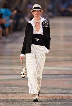 17C1.jpg.fashionImg.look-sheet.hi