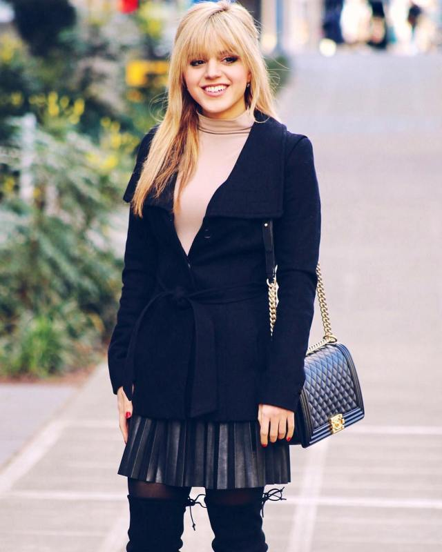 Fashion to Follow simple classic chic outfit Amanda Magani