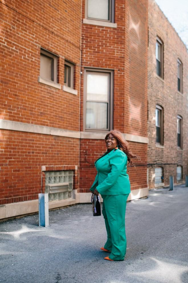 Chicago plus size fashion green suit