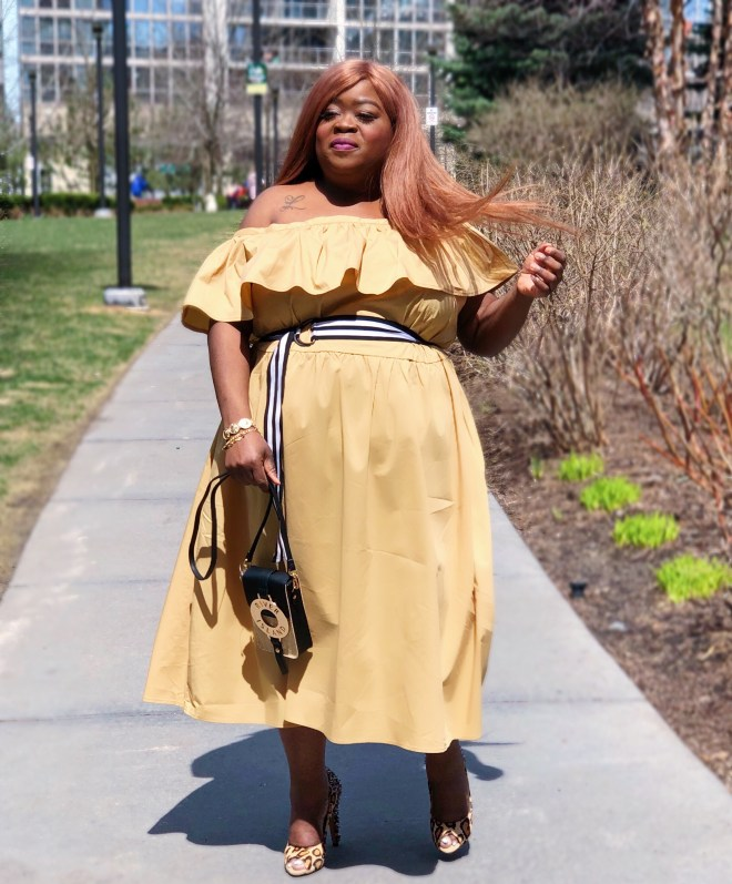 www - plus size fashion Shoulder Ruffle Midi Dress - Who What Wear Tan - plus size - rivers island - sam eldman - plus size blogger - fro plus fashion - chasi jernigan