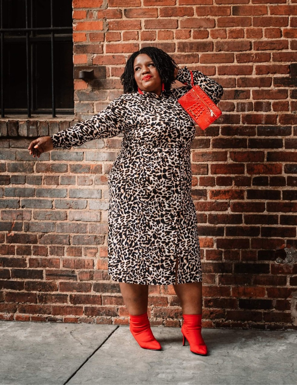 Plus-size fashion blogger