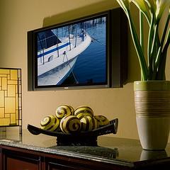 How to hang a flatscreen TV