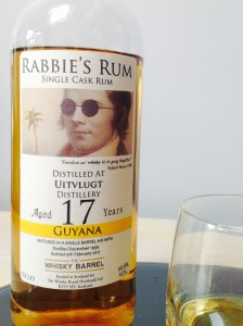 The Whisky Barrel Rabbie's Rum Utivlugt 17 Year Old Rum Review by the fat rum pirate