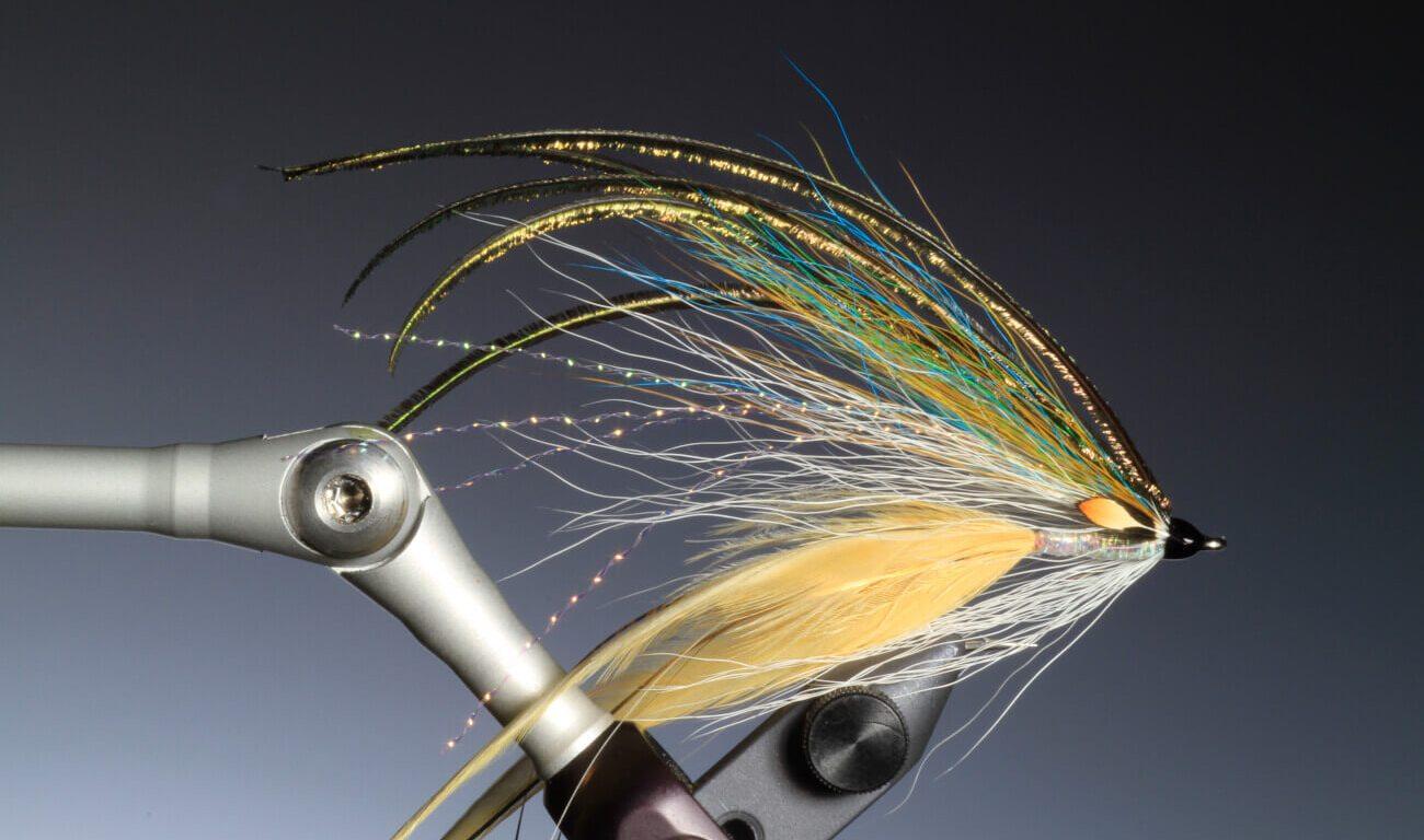 tying Sea trout Flat wing streamer by Barry Ord Clarke
