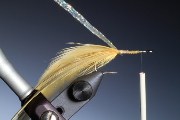 3. Cut a length of MOP Bills body braid at the base of the flat wing tail.