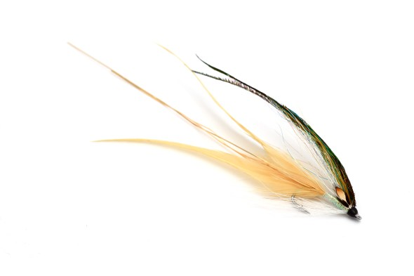 Once the flat wing has become wet you will understand how the wing and tail fall naturally into place to form a fantastic mobile bait fish imitation.