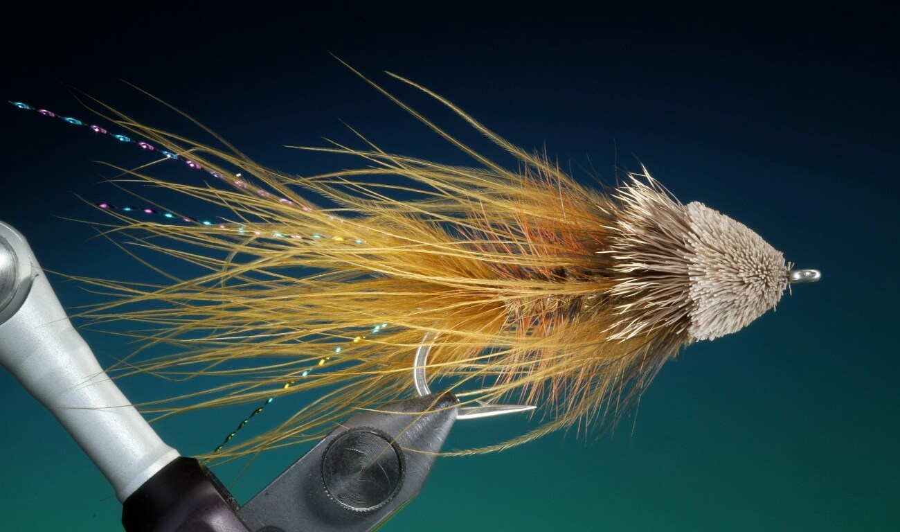 fly tying Wooly Muggler streamer