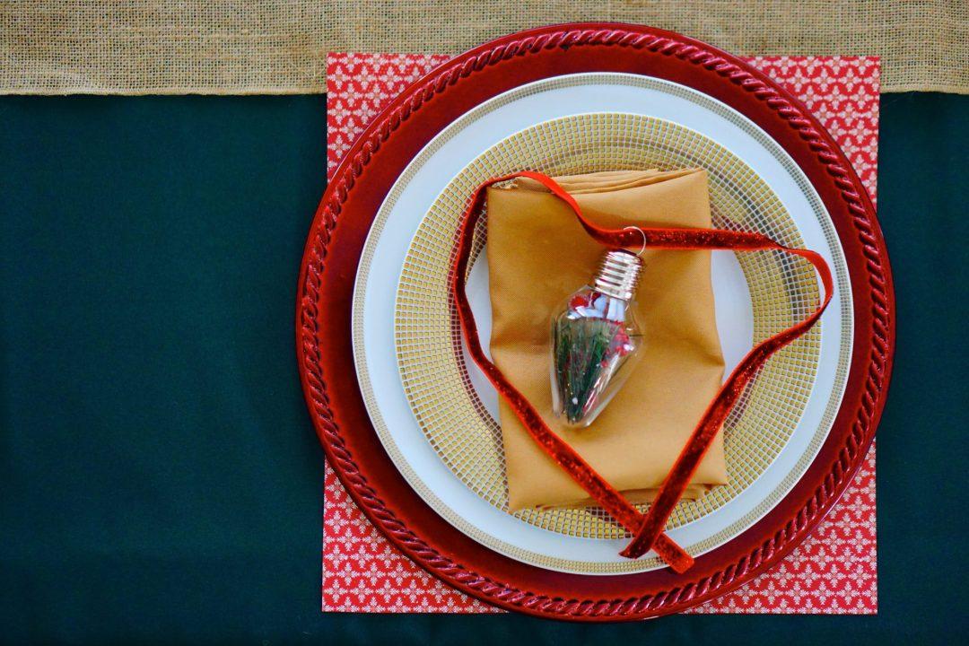 Christmas Tablescape - TheFebruaryFox.com