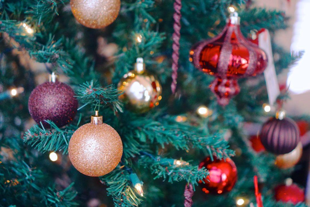 Christmas Decor - TheFebruaryFox.com