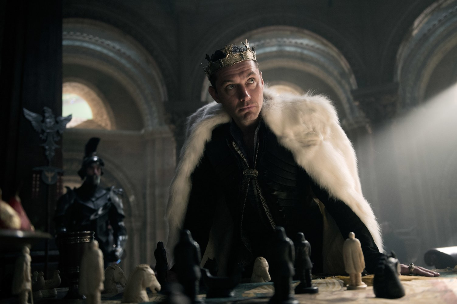 This King Arthur Film Is So Bad It S Kind Of Great