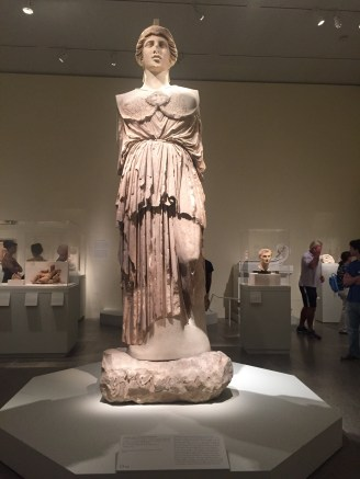 Colossal statue of Athena Parthenos, from the exhibition Pergamon (2016). On loan from Berlin, she is now on view in the Met's Great Hall. Source: the author.