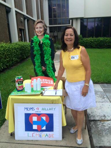 A Florida mom sells lemonade to raise money for Clinton campaign.