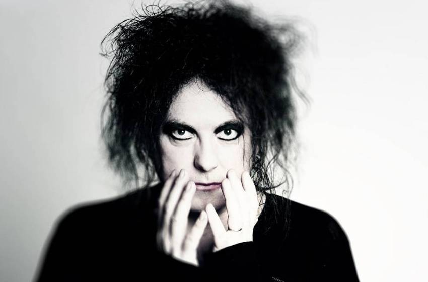 The Cure's Robert Smith appointed curator of Meltdown Festival 2018