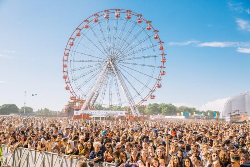 Parklife crowd ferris wheel