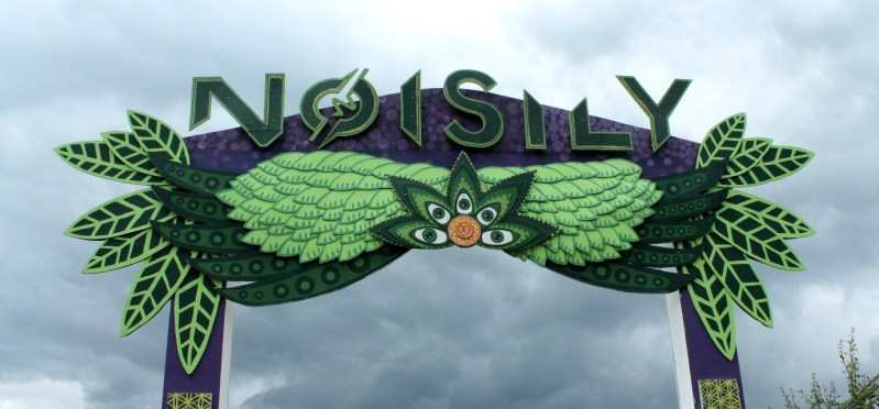 Noisily Review 2019 Sign