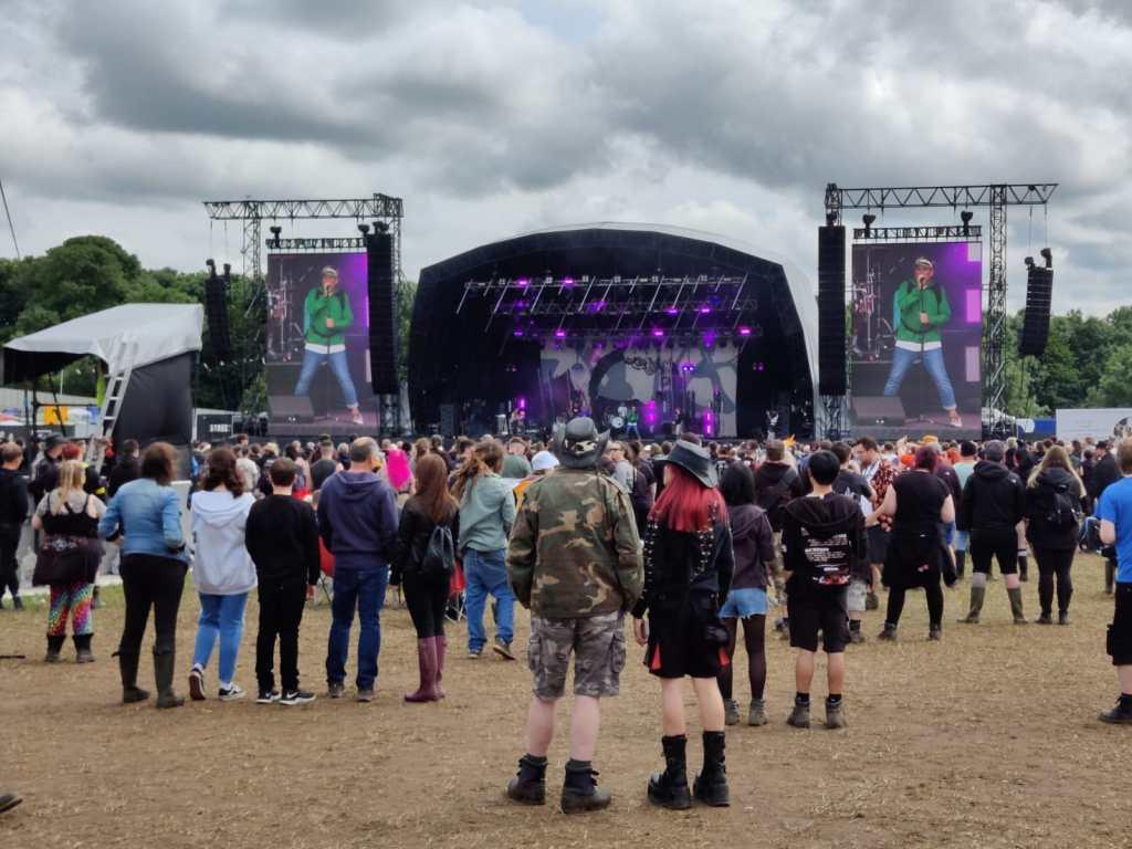 Download Pilot crowd main stage