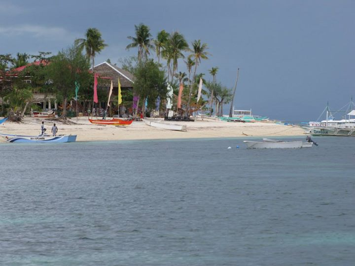 4-day island hopping experience in the Philippines - Malapascua Island