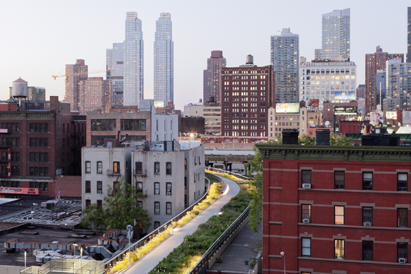 High Line, Section 2 - 2013 General Design Honor Award Winner image: Iwan Baan