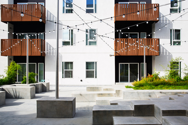 ASLA 2016 Professional Residential Design Honor Award. The Rivermark, Sacramento, CA. Fletcher Studio / image: Mariko Reed