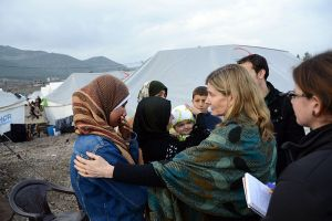 USAID Assistant Administrator for Democracy, Conflict, and Humanitarian Assistance Nancy Lindborg interacts with Syrian refugees at Islahiye Refugee Camp in Turkey on January 24, 2013 Image Source: USAID