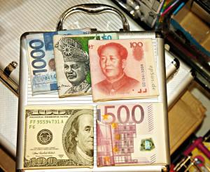 Money Image Source: epSos .de, Flickr, Creative Commons.