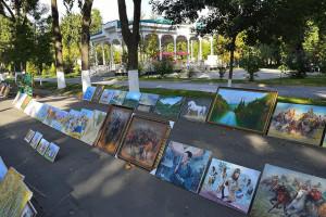 Image Source: stefan_fotos, Flickr, Creative Commons Tashkent, Uzbekistan Art bazaar in Tashkent, Uzbekistan.