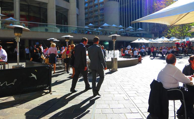 Aust-sq-plaza-day