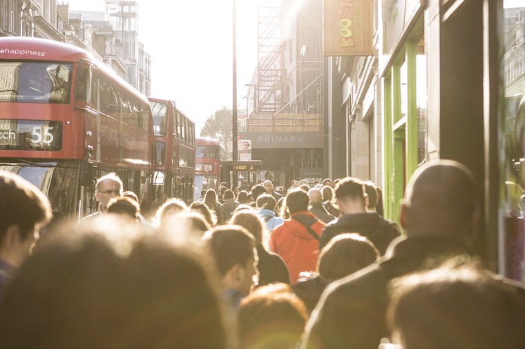 London city crowd shopping