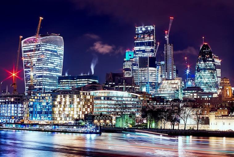 London city buildings at night