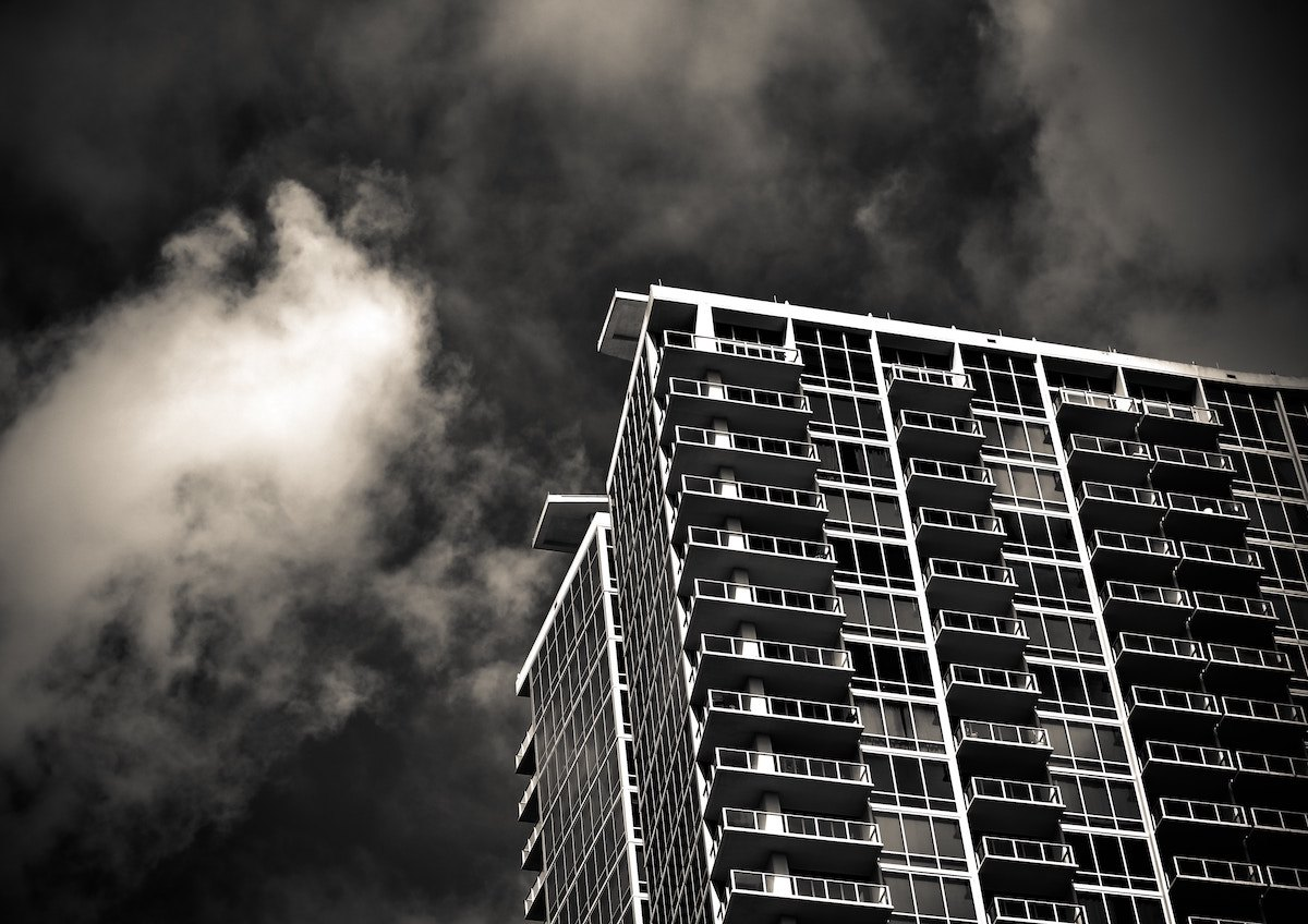 building black and white