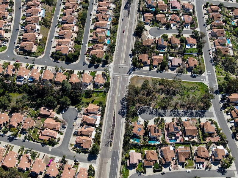 Neighborhood in San Diego, California .Credit: © bonandbon / Adobe Stock