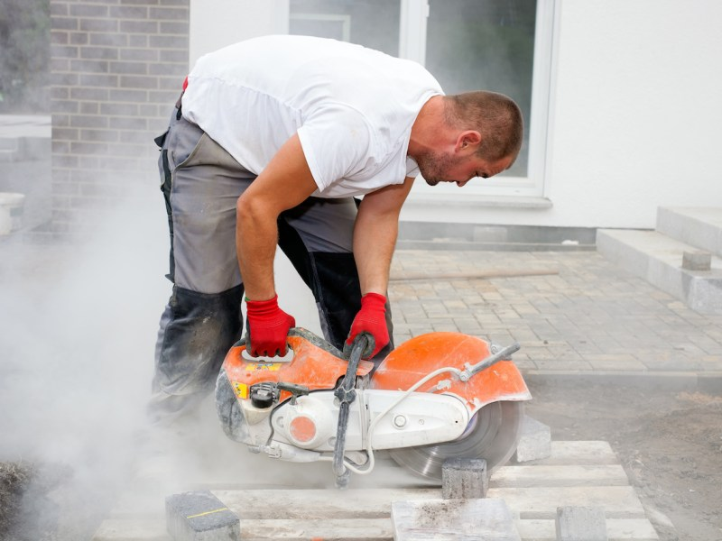 Stone cutter at work Silicosis