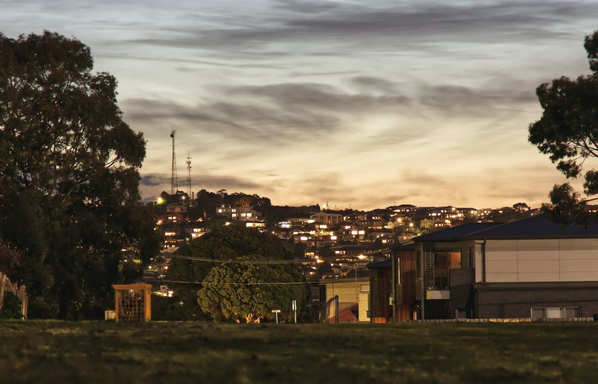 Hyperconnected regional settlements could take pressure off Melbourne and Sydney