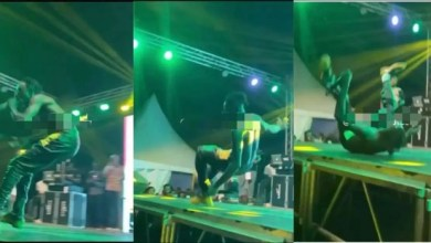 Photo of Lilwin Suffers On Stage(Video)